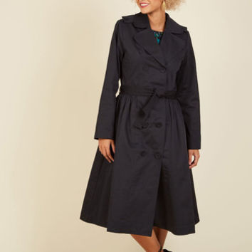 Classic Catch Trench in Black - Long | Mod Retro Vintage Coats | ModCloth.com
