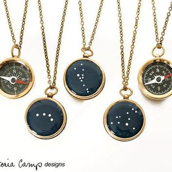 Small Working Compass Necklace With Personalized Constellation Custom Zodiac Brass Chain Birthday Gift Bridal Party Gifts