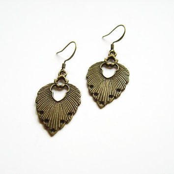 Brass bohemian leaf earrings, Bronze boho earrings, Brass dangle everyday earrings, Boho brass earrings antique looking, Brass drop earrings