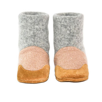 Kids Cashmere Shoes, Children Cashmere Slippers, Youth Cashmere Mukluks, New and Improved Design:   Kids 7.0 - Youth 2.5