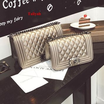 Vintage Brand Small Chain Evening Clutch Bag