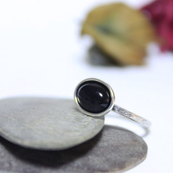 Onyx Rustic Silver Ring/ Simple Ring/ Black Gemstone Ring/ Stacking Ring/ Hammered Ring