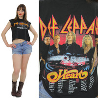 Def Leppard shirt band Tshirt tee shirt sleeveless faded band tee Vintage cut off tee  crop top cropped tee shirt crop Tshirt size M Medium