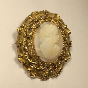 Florenza Signed Cameo Brooch Carved Shell Collector Piece Vintage 1960s 1970s Gold Tone Victorian Pin