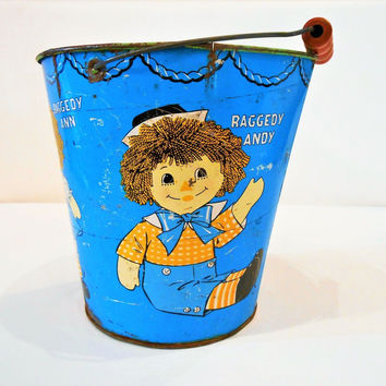 VTG Raggedy Ann & Andy Pail Bucket Child Toy Sand Beach 1972 Metal Orig Handle