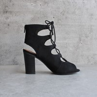 bc footwear - vivacious lace-up sandal in black