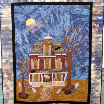 Quilted Wall Hanging Haunted House