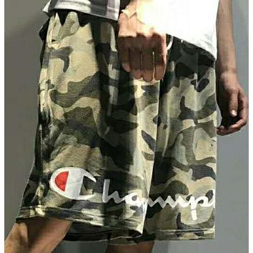 The Champion trend sells camouflage shorts N-AG-CLWM