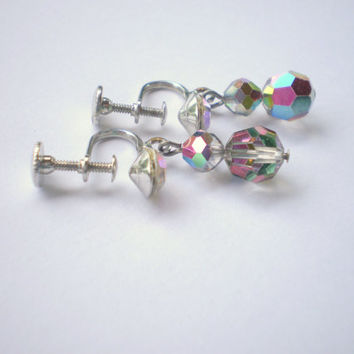 vintage 50s AB aurora borealis screw back earrings. silvertone. faceted. sparkly. colorful.