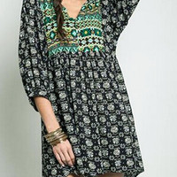 Black V-neck Color Block Boho Print 3/4 Sleeve Babydoll Dress