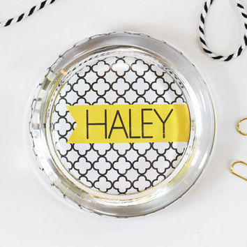 Custom Paperweight Personalized Office Supplies Black White Yellow Glass Paper Weight Teacher Gifts Dorm Room Decor Desk Set Fun Work Space