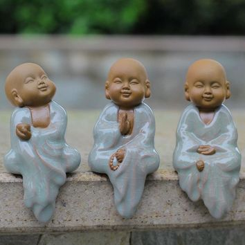 Meditation hanging clothes monk creative boutique Ge ceramic crafts Home Furnishing small ornaments