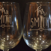 Mr and Mrs personalized wine glasses, beer glasses, wedding glasses, toasting glasses