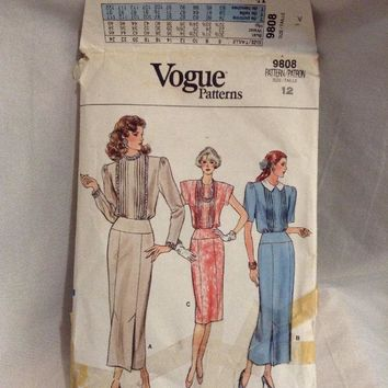Vintage Vogue 9808 Misses jewel neck dress Sewing Pattern size 12 cut