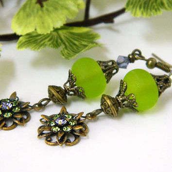 Green Vintage Style Earrings Handcrafted Lampwork Glass Dangle Short Jewelry
