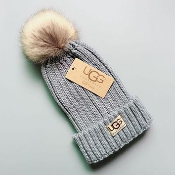 UGG Winter Hot Sale Trending Couple Stylish Warm Knit And Pom Hat Cap Grey