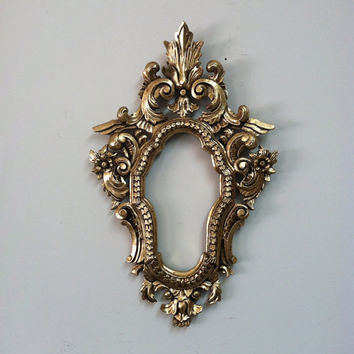 Shabby chic home decor decorative wall mirror  frame baroque mirrors wedding decor in high density Polyurethane and painted by hand