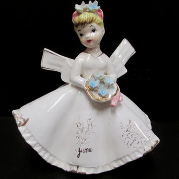 Lefton June Bride Figurine # 1853 Flower Girl w/ orig Red Gold Sticker  Vintage JAPAN