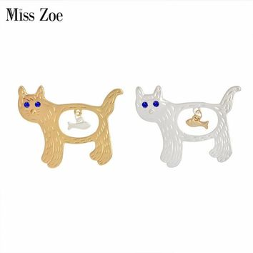 Trendy Miss Zoe Creative Fish in the stomach of Cats Kitten Brooch Pins Denim Jacket Pin Badge Gold Silver Cartoon Animal Jewelry Gift AT_94_13