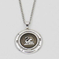 New Snow White Once Upon a Time Chracter Emma Swan Talisman Necklace Aged Antique Silver