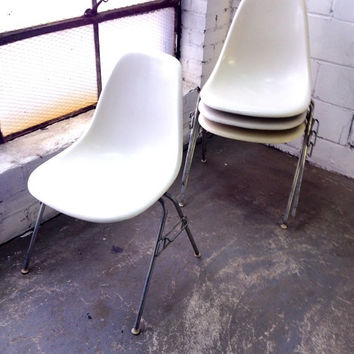 Herman Miller Eames fiberglass side shell chairs