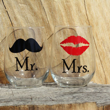 Mr. and Mrs. Stemless Wine Glasses. Engagement or Wedding Gift/Bride and Groom