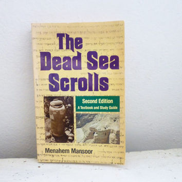 The Dead Sea Scroll by Menahem Mansoor, second edition, textbook, study guide, bible history, ancient artifacts, paperback book, gift idea