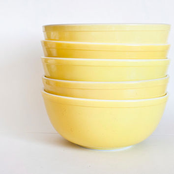 Vintage Pyrex Primary Yellow Mixing Bowl, 404 mixing bowl 4 Quart Large Size (Sold Separately)