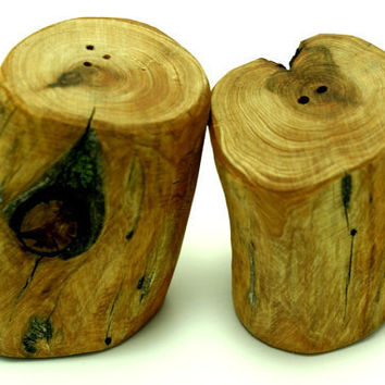 Salt and Pepper shakers - Wood Handmade   Free Shipping to the USA