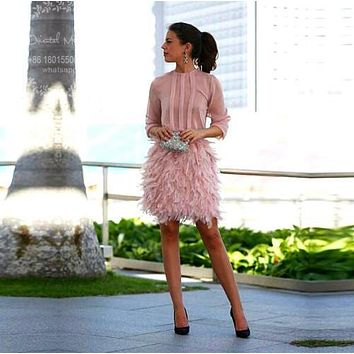 Pink Feather Cocktail Dresses Long Sleeves Short Cocktail Party Dress 2017 Vestidos con plumas Robe cocktail courte Prom Dresses