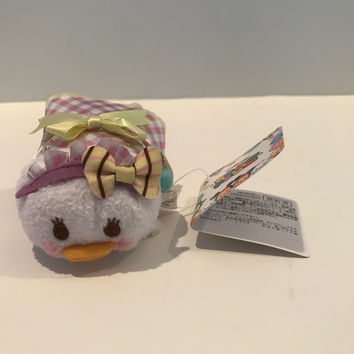 Disney Store Japan Valentine Daisy Duck Mini Tsum Plush New with Tags