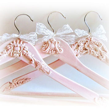 Personalized Hangers Set of 3 Hangers Dress Hangers Royal Hangers Bridesmaid Hangers Clothing Hangers Maid of Honor Wedding Name Hangers