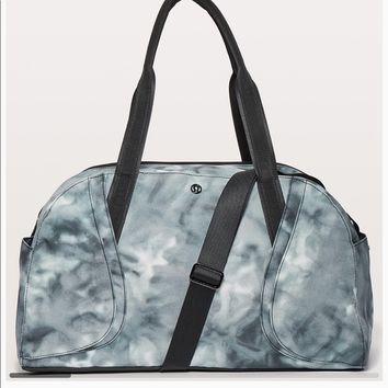NWT Lululemon 'Out of Range' Duffel Spray dye gray