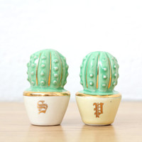 Small Cacti Salt and Pepper Shakers with Gold Accents - Vintage - Ceramic - Cactus Decor - Cactus Lover - Vintage Kitchen - Kitchenware