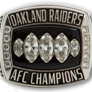 NFL - Oakland Raiders 2002 Super Bowl Championship Ring