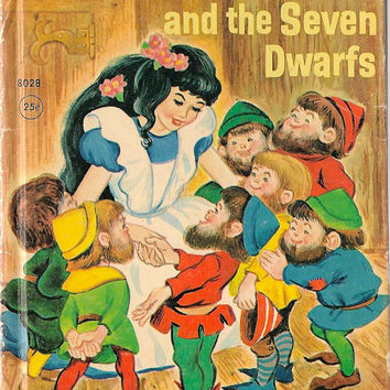VINTAGE KIDS BOOK Snow-White and the Seven Dwarfs a Rand McNally Junior Elf Book