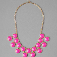 WOODBURY JEWELED STATEMENT NECKLACE IN PINK