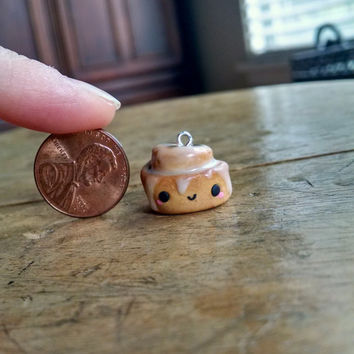 Kawaii Sweet Frosted Cinnamon Roll - Polymer Clay Charm, Miniature Food, Miniature Food Jewelry, Jewelry, Pendant, Charms, Cute, Kawaii Food