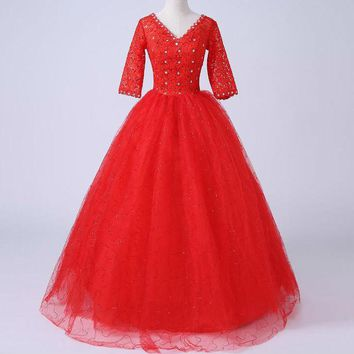 New Design Half Sleeve Wedding Dress V-neck Ball Gown Simple Lace Red Wedding Gowns