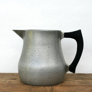 Club Hammercraft Heavy Hammered Aluminum Pitcher - Vintage Pitcher - Kitchen Decor - Flower Pitcher - Ice Water Pitcher