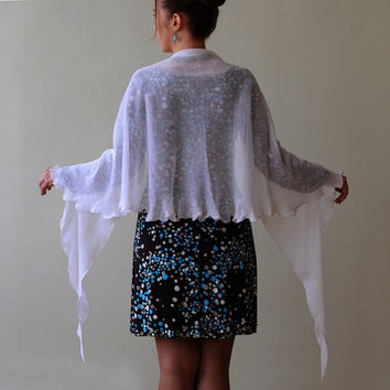 White linen shawl, elegant and available in different colours