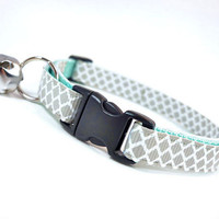 """Cat Collar - """"Incense & Peppermints """" - Light Grey on Mint"""