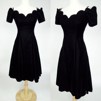 1980s black velvet dress, scalloped off shoulder fit and flare short sleeve Niki prom dress, small, size 7