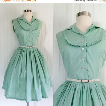 25% OFF mint green cotton vintage 1950s ruffle bib collar full circle skirt dress // Bobbie Brooks pinup bombshell // size M 36 bust