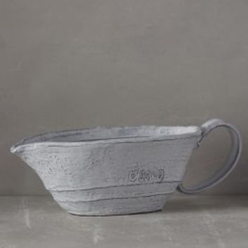 Glenna Gravy Boat by Anthropologie in White Size: Gravy Boat Kitchen