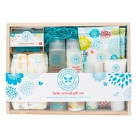 Infant The Honest Company Baby Arrival Gift Set
