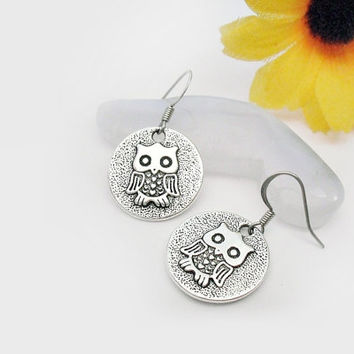 Owl disc earrings, small owl dangle earrings, bird disc earrings, round owl earrings, silver owl earrings, cool owls earrings