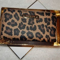 Michael Kors Jet Set Item Natural Cheetah Large Coin Multi Function Phone Case