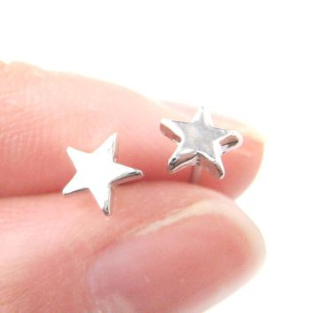 Tiny Classic Star Shaped Simple Stud Earrings in Silver | DOTOLY