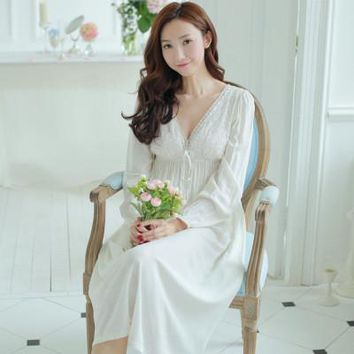 Women's long nightgown cotton long-sleeve princess sleepwear vintage royal V-neck lace nightgown sexy lounge white nightwear
